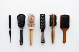 Nettoyage des peignes et des brosses