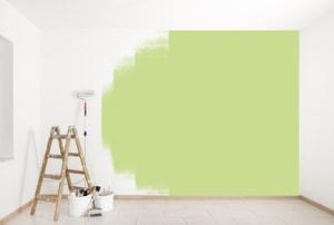Préparer les surfaces à la peinture ou à la pose du papier peint