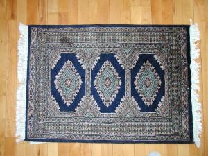 nettoyer assainir et d sodoriser les tapis et moquettes en limitant le d veloppement des allerg nes. Black Bedroom Furniture Sets. Home Design Ideas