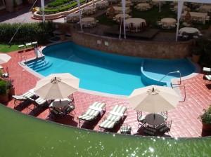 Bicarbonate de soude et entretien de l'eau de la piscine